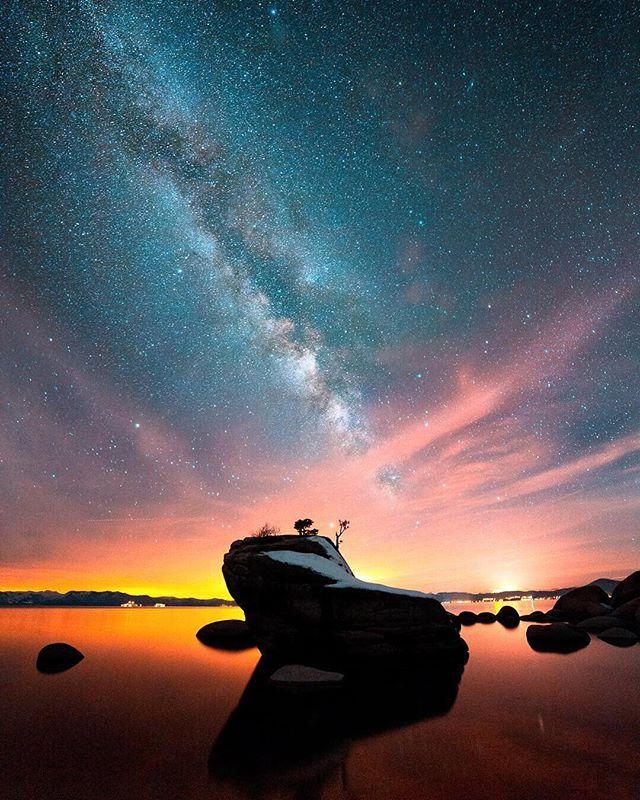 Tag someone to go for a night swim! 📸: @ryanlongnecker #adventure #rawcalifornia #california  #love #laketahoe #astrophotography