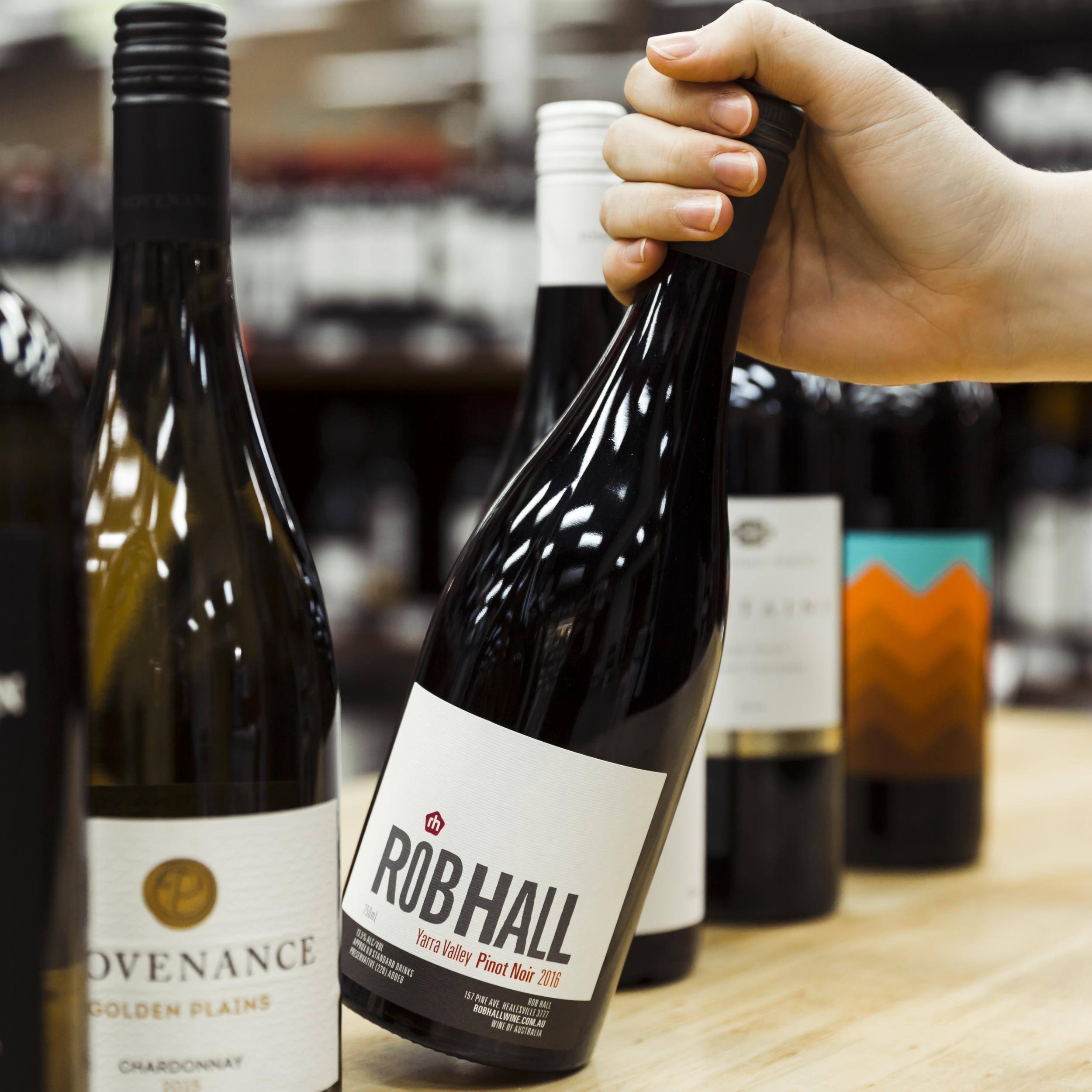 Rob Hall Pinot Noir.png
