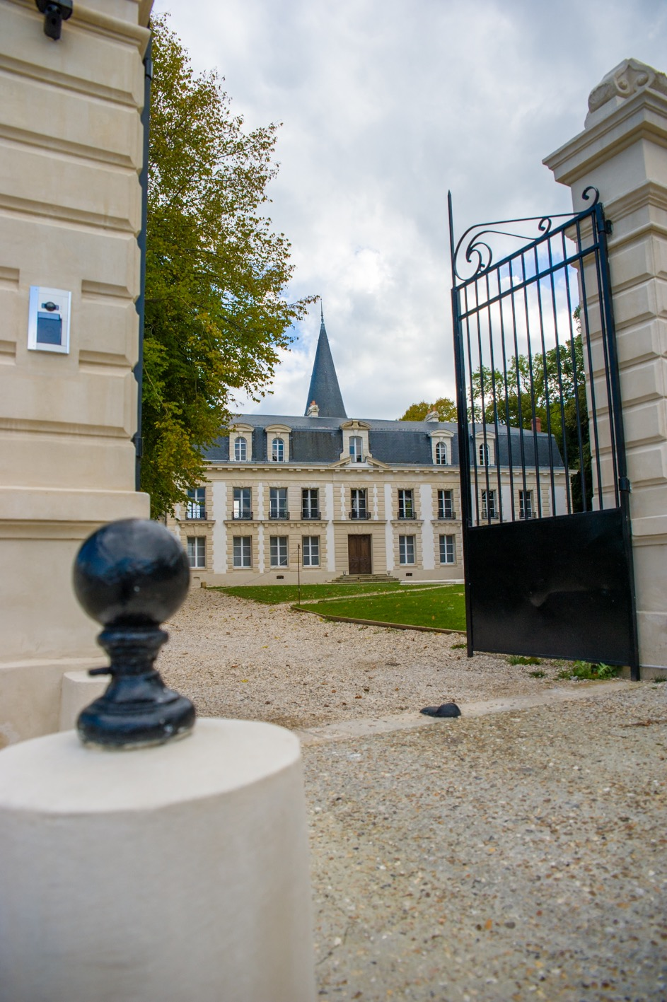 porte ext chateau 2.jpg