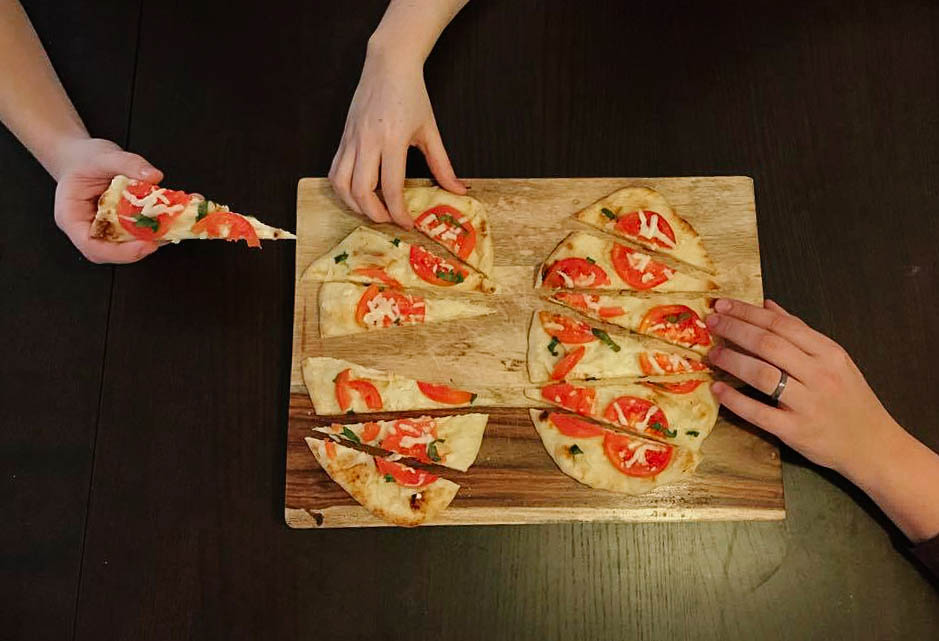 NaanPizza-2.jpg