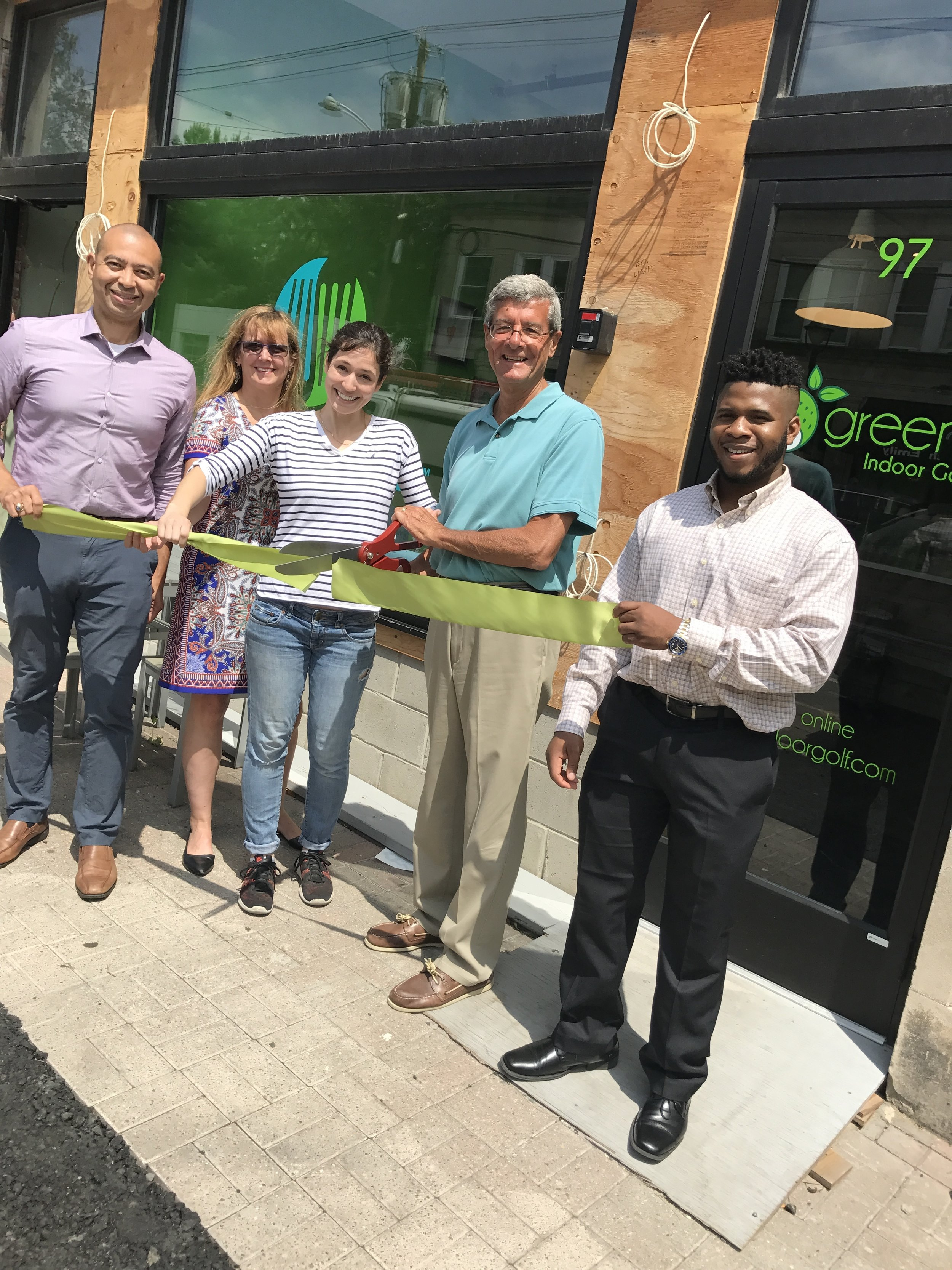 Left to right -- Township Committeeman Frank McGehee, Sheila Baker Gujral (Maplewood Environmental Advisory Committee), Nicole Grogan (ConsciousFork), Mayor Vic DeLuca, Uche Uneze (Maplewood Green Business intern)