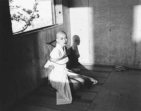 Nobuyoshi-Araki-28.jpg