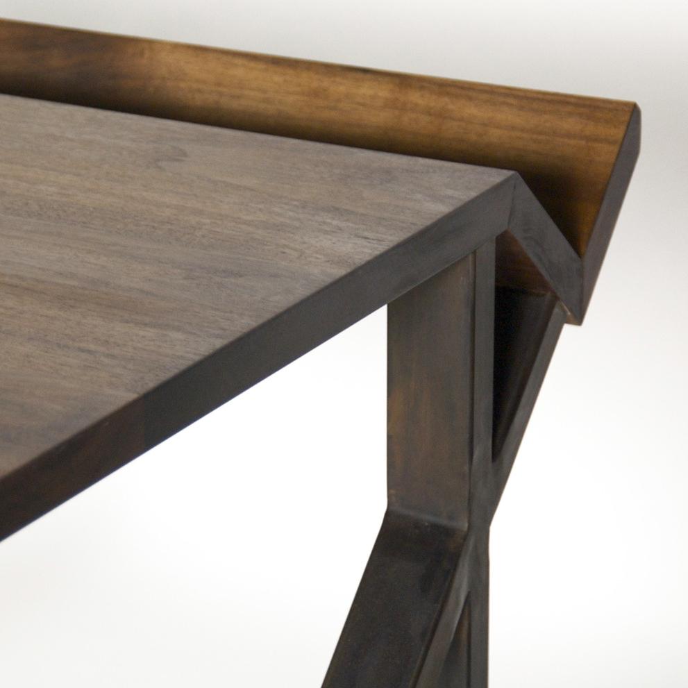 Sierra Yip-Bannicq_Nook Desk_2.jpg