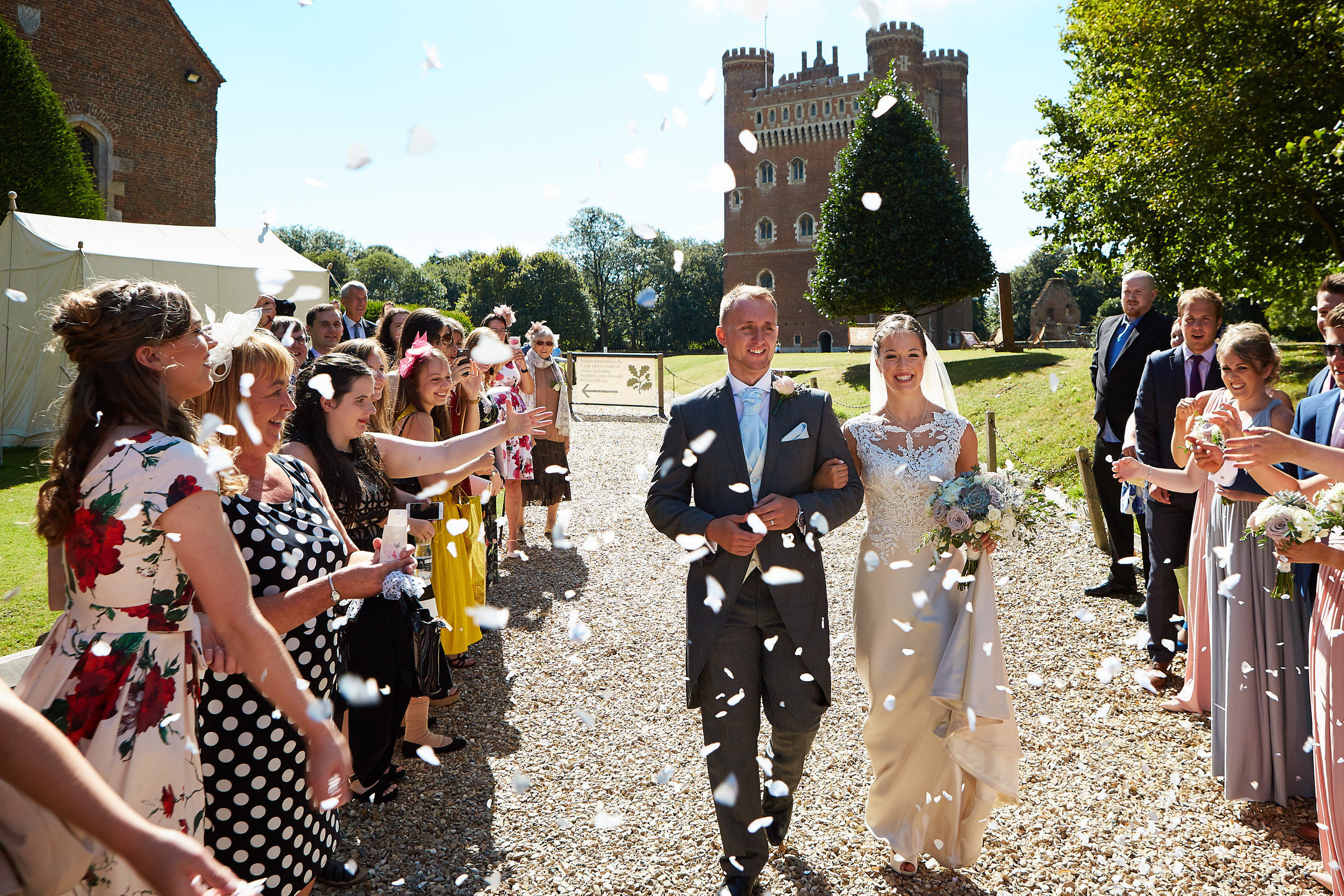 A wedding at Tattershall Castle in Lincolnshire by Lincolnshire wedding photographer 166 photography