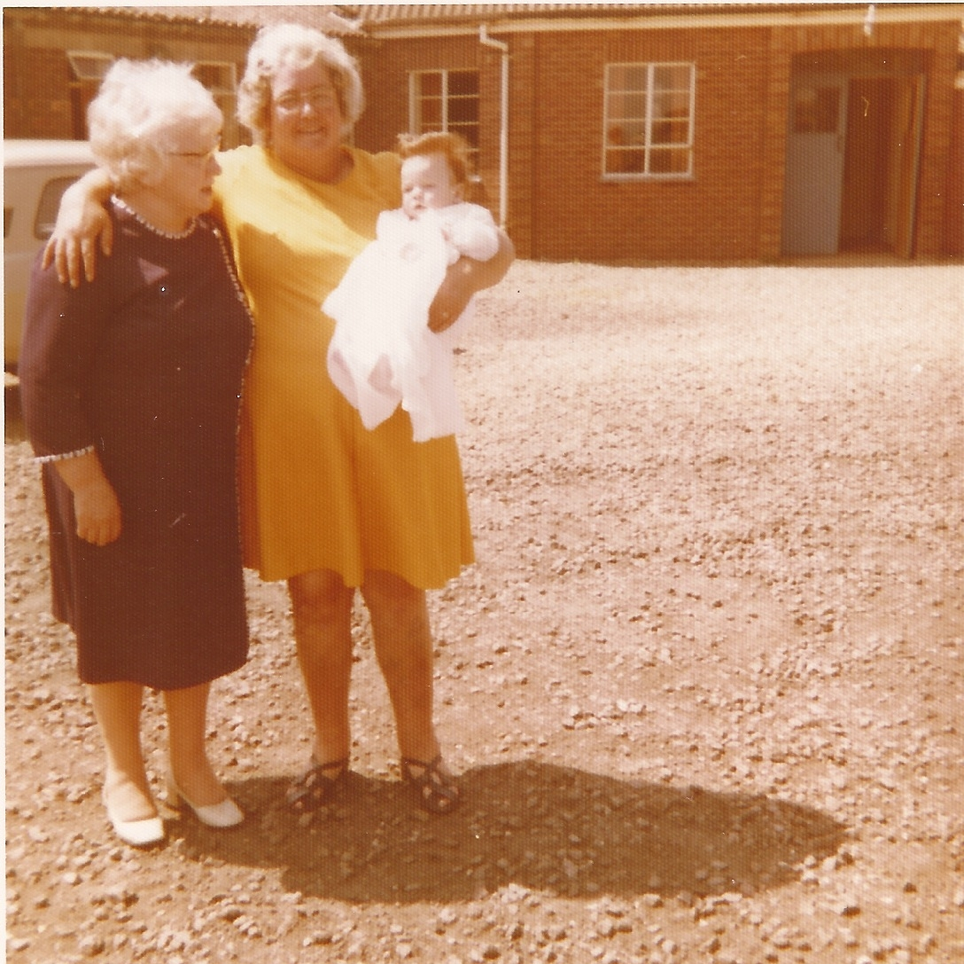 The young Carl with two of the most important women and the reason for 166 Photography Name