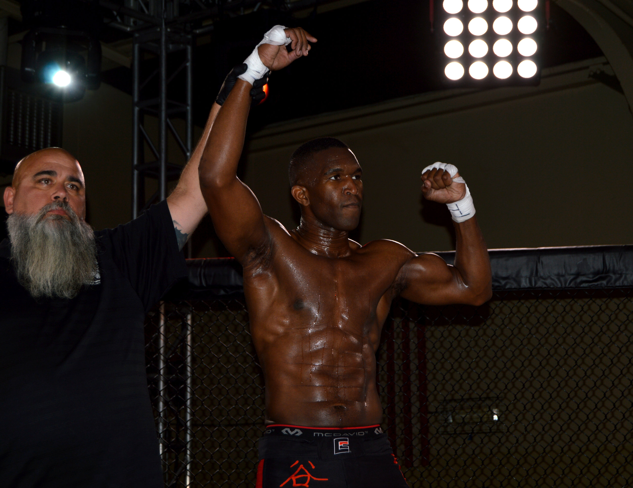 """""""Sneaky-B"""" Marqus Blevins remains undefeated, securing the submission win and collecting his third straight win"""