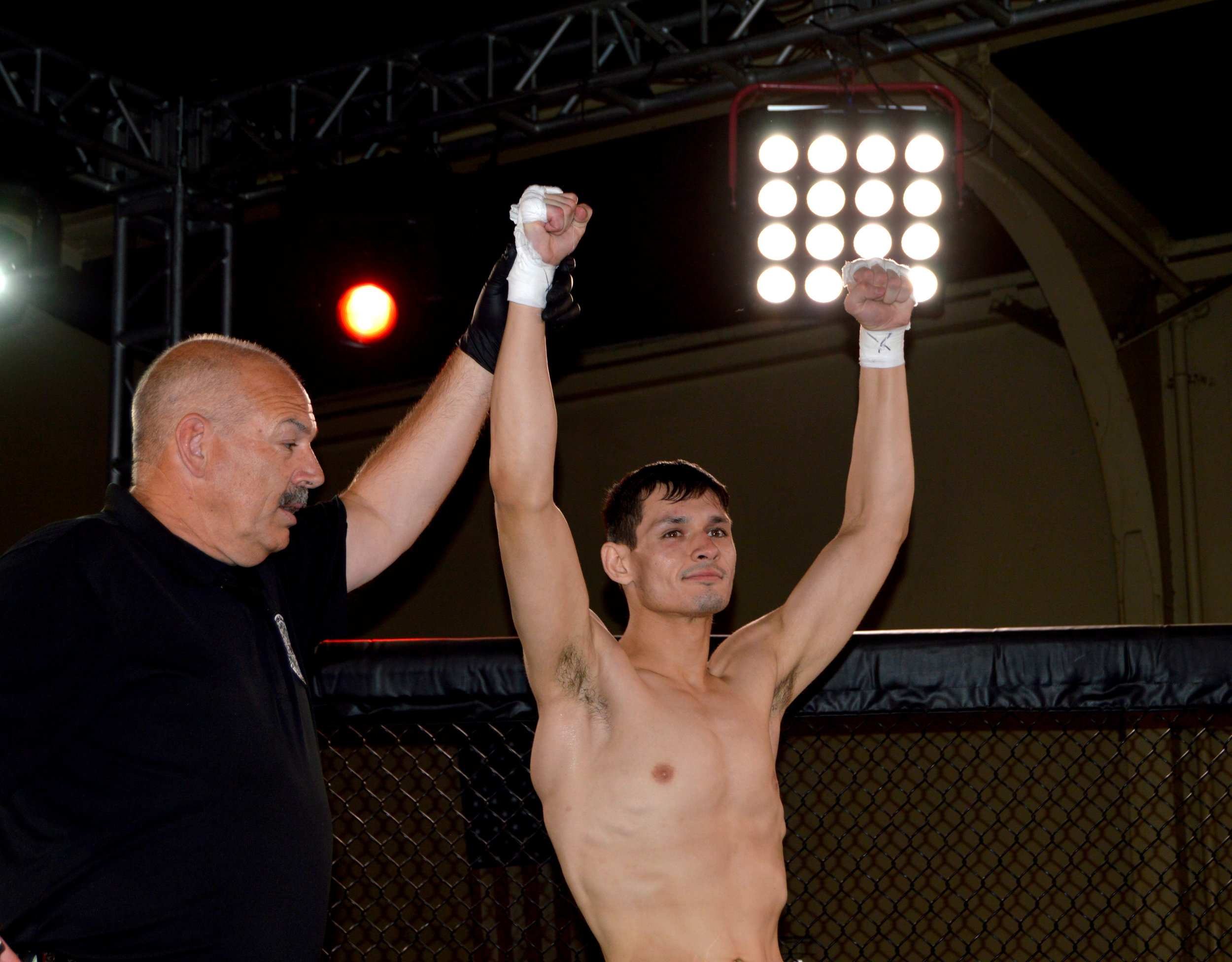 """""""Wreck-It"""" Ryan Ballin adds one more to the win column, securing the win via submission"""