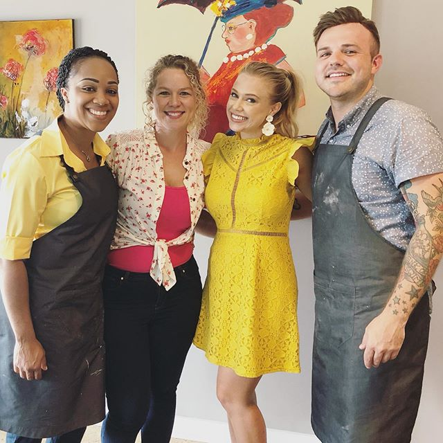 Tune in THIS SUNDAY at 8:30p ET / 5:30 PT to the @cookingchannel to see what @theoriginalmoonpie creations they come up with and which one of these amazing chefs takes home $5,000 on SNACK ATTACK! #snackattack #cookingchannel • • Style: @altardstate HMU: @briebeckman