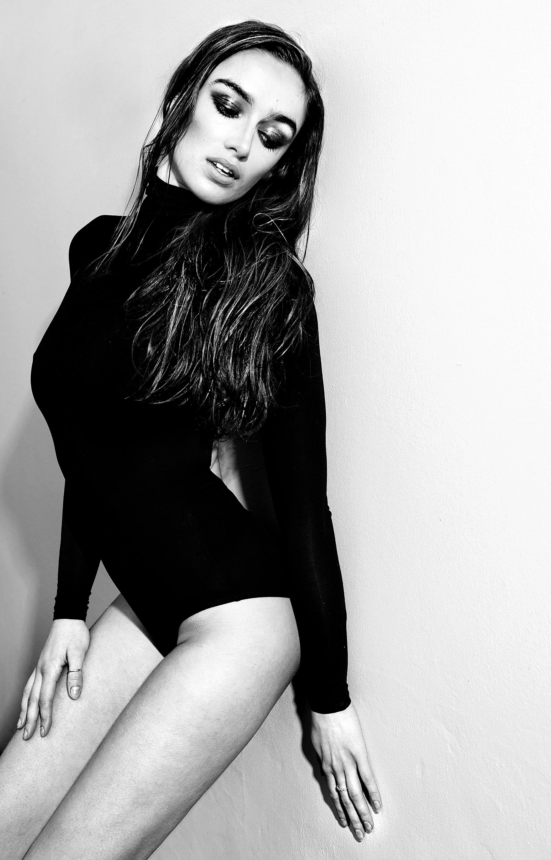 Kristie beauty (34 of 40) bw.jpg