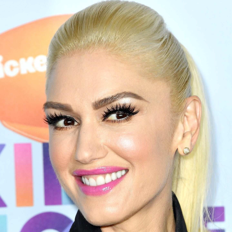 Gwen Stefani - Platinum Blonde with Dark Brown Brows