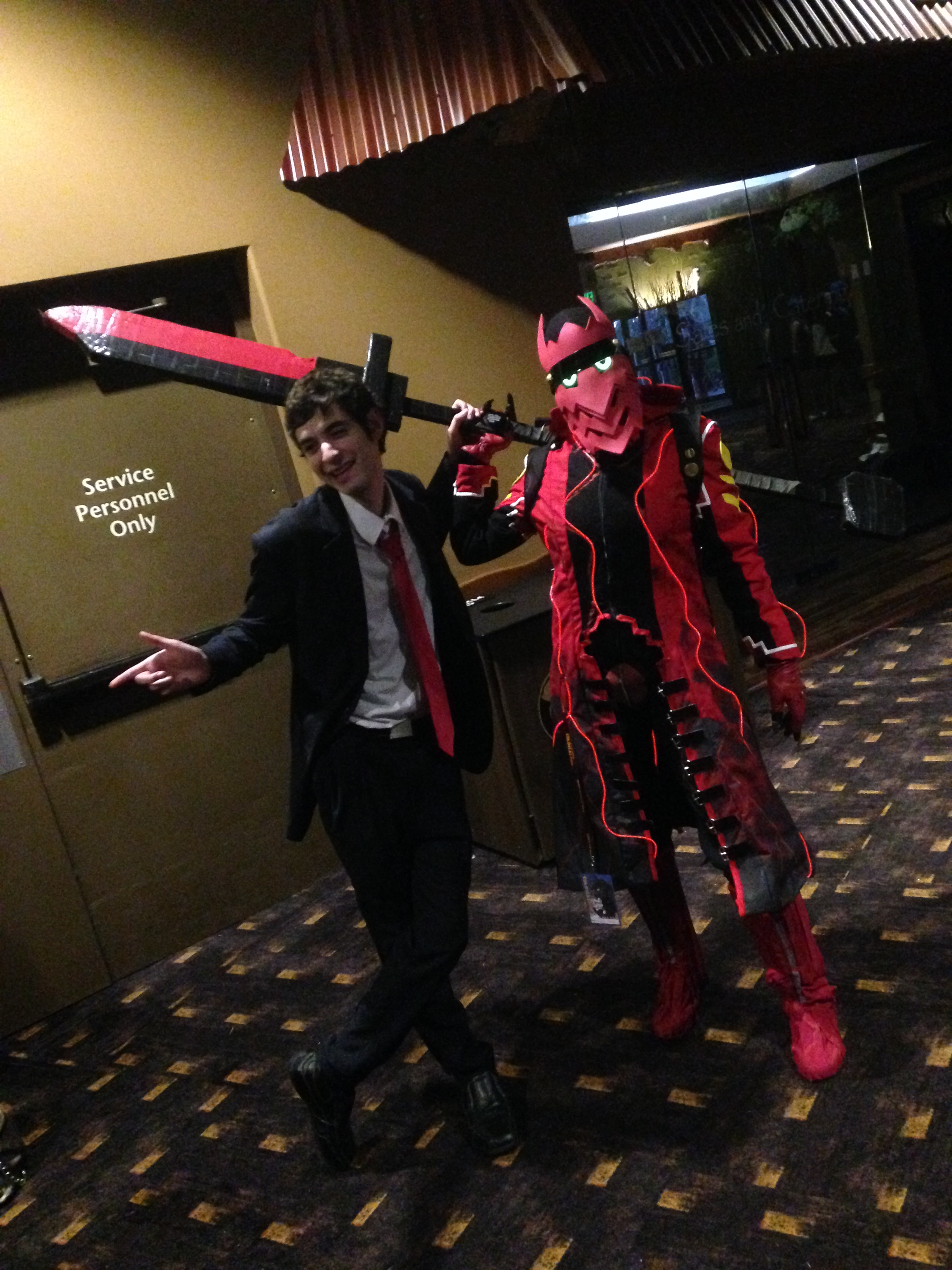 I always love seeing Persona cosplayers, and this Adachi/Mugatsu duo was awesome!