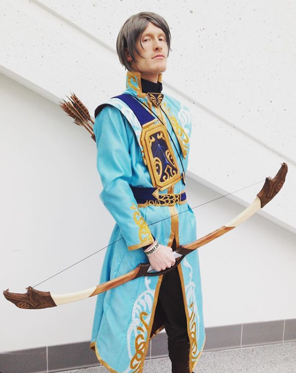 I really need to do an actual photoshoot in this cosplay because this is the only good photo I have of him where I'm not hunting dinosaurs *facepalm*