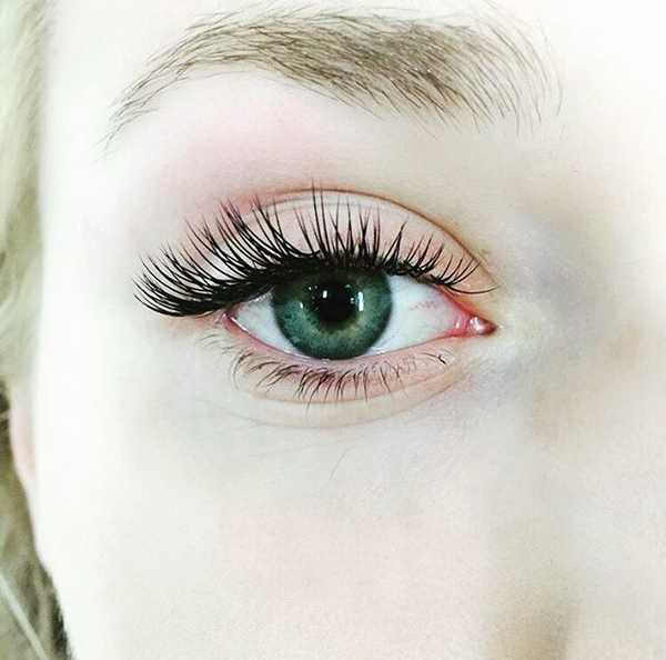 Various Style Of Lashes.png