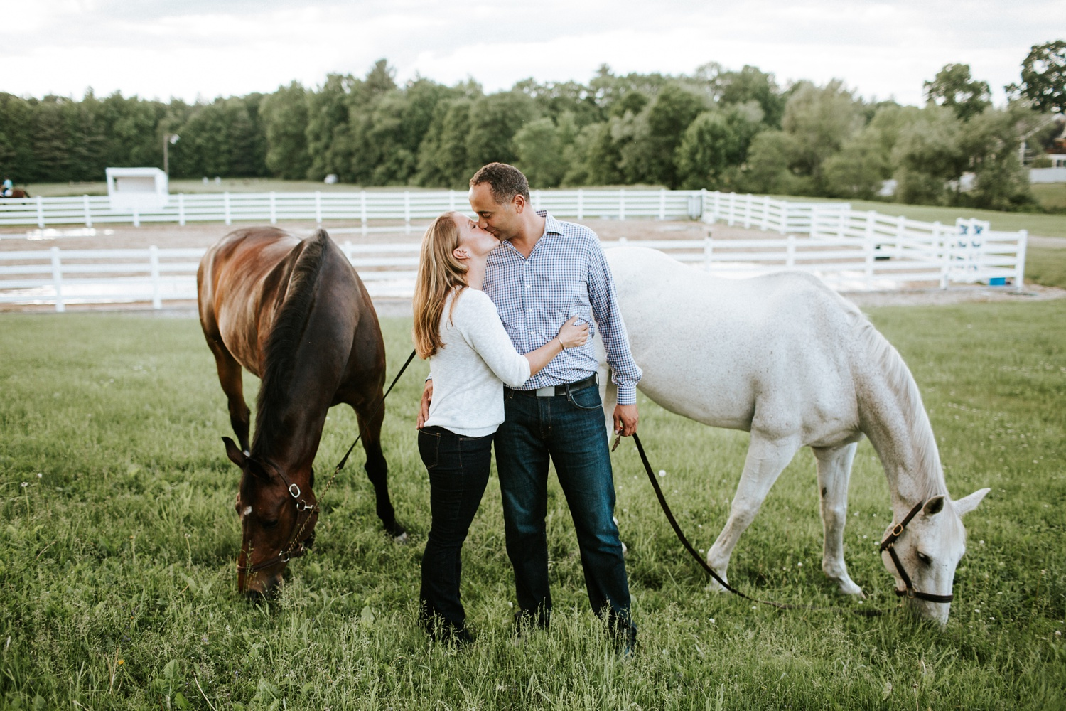 Engagement Session on a Horse Farm_0003.jpg