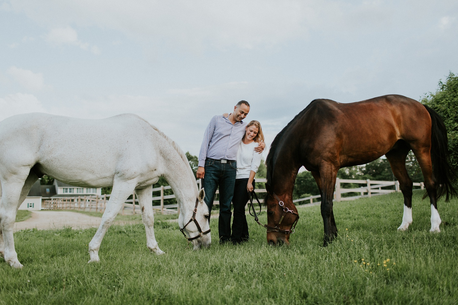 Engagement Session on a Horse Farm_0010.jpg