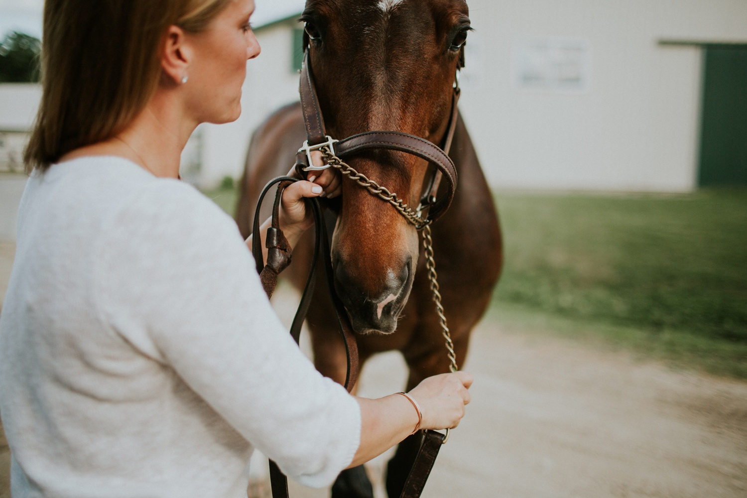 Engagement Session on a Horse Farm_0011.jpg