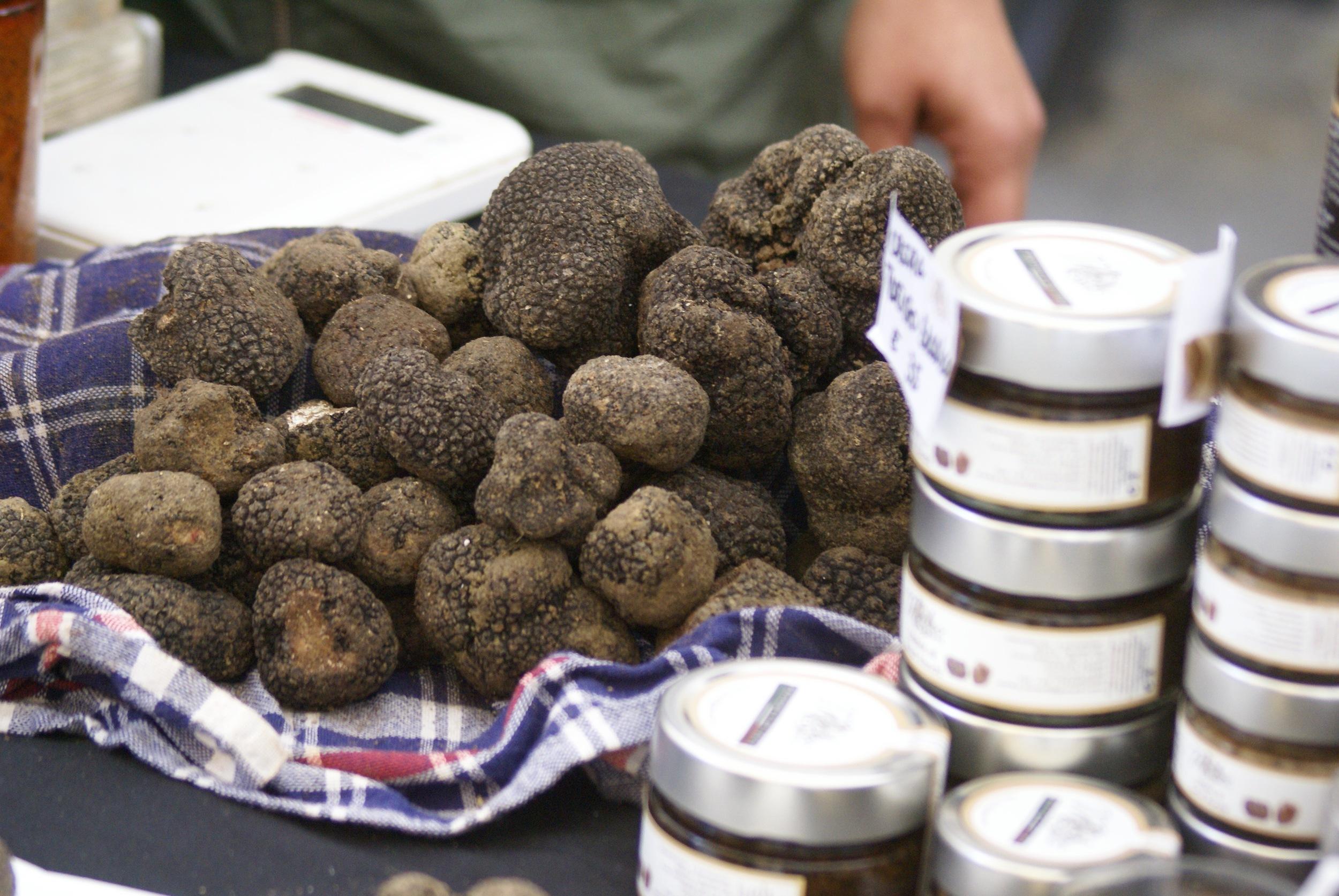 Shopping for truffles