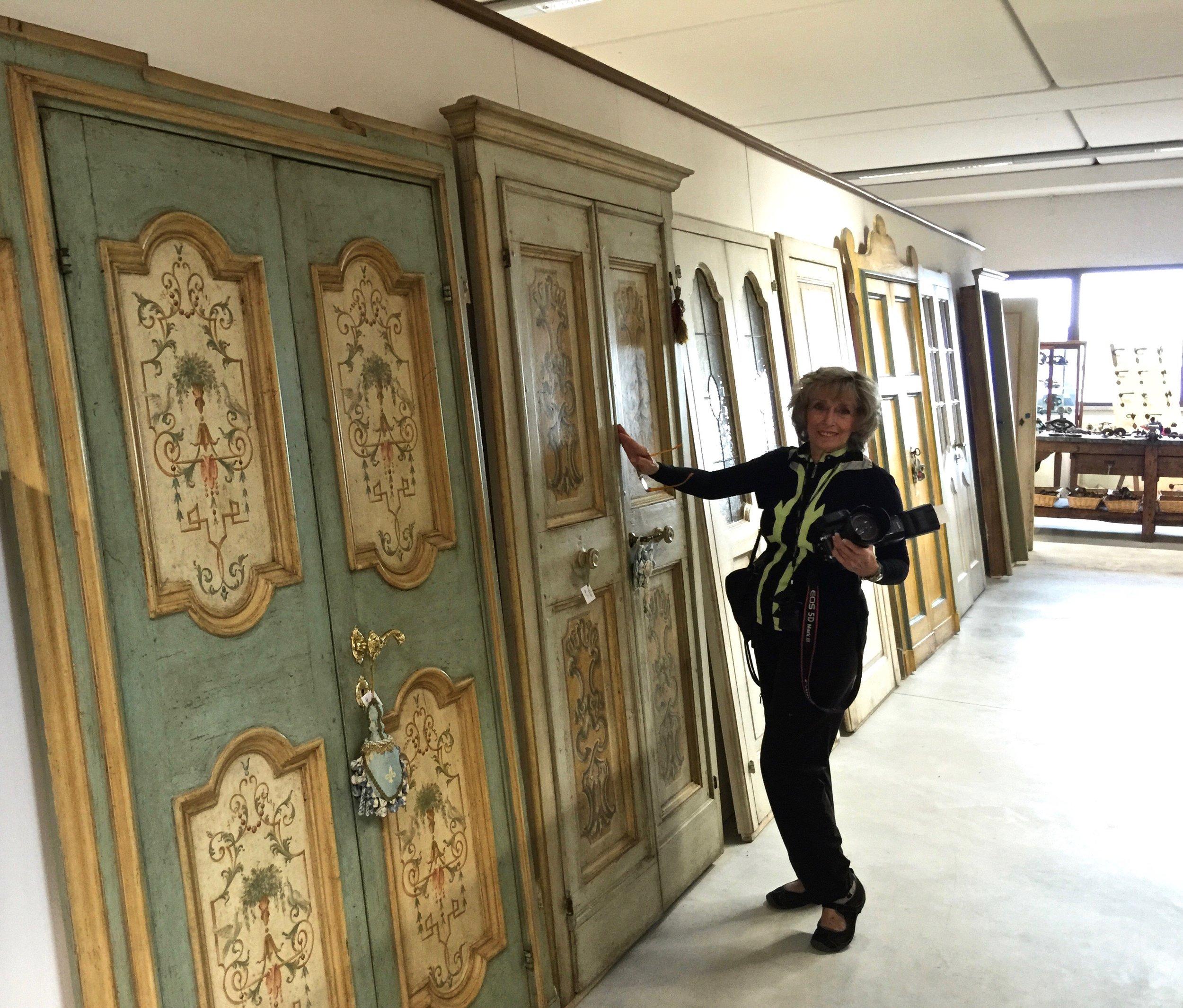 Phyllis selecting her doors at Porte del Passato in Umbria, Italy 2015