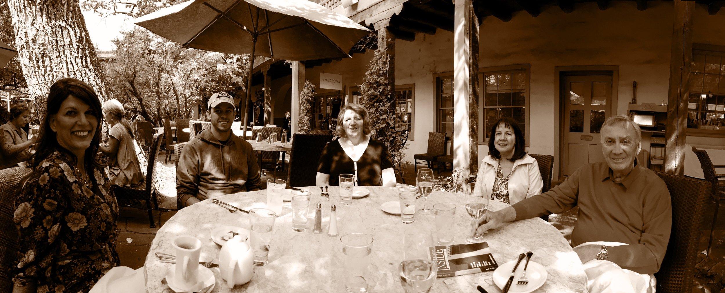 isabel, her cousins Jarred, her mom, Alette, and the Giltner in Santa Fe 2017