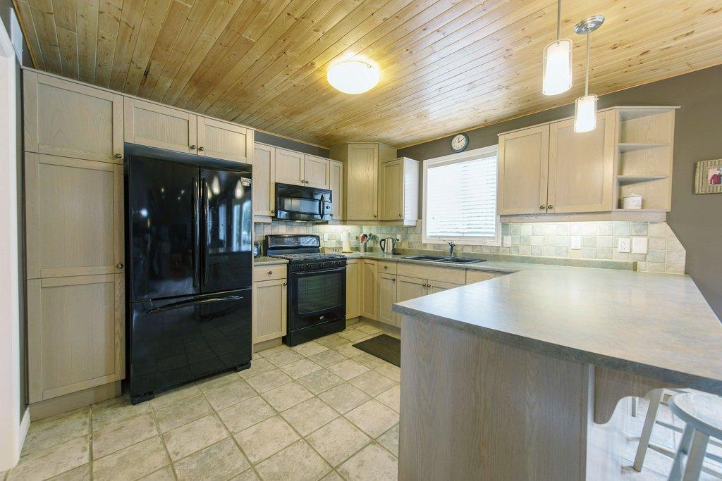 011-Kitchen 4_m.jpg