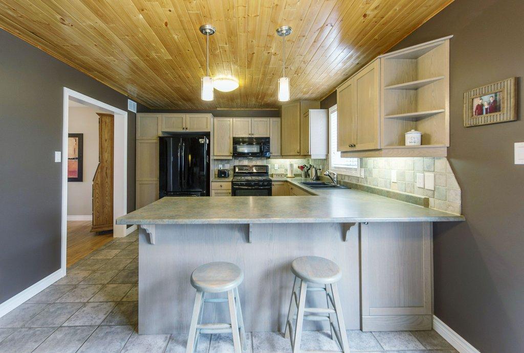 015-Kitchen 5_m.jpg