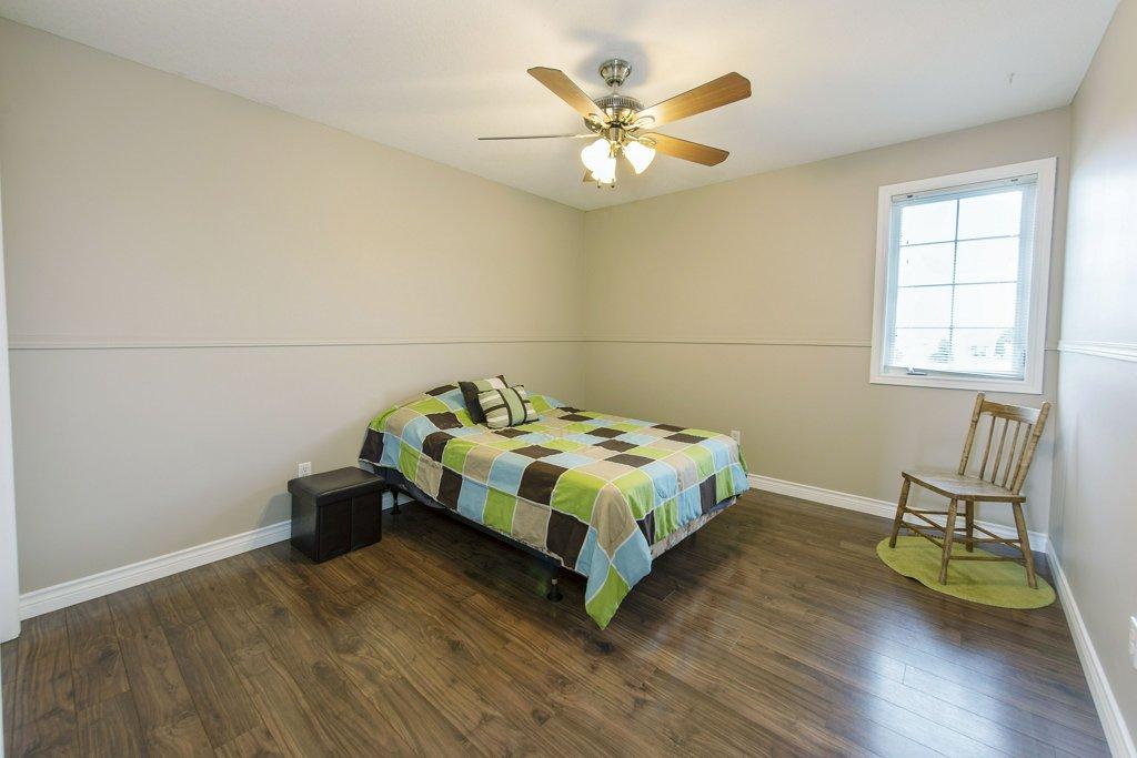 030-Bedroom 2_m.jpg