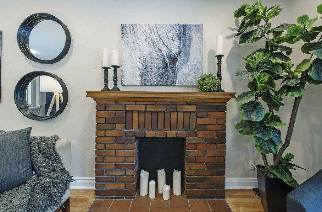008-Fireplace_m.jpg