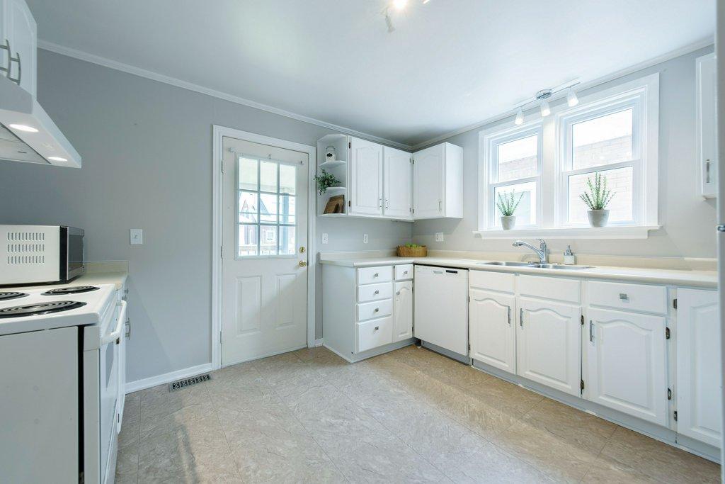 019-Kitchen 6_m.jpg