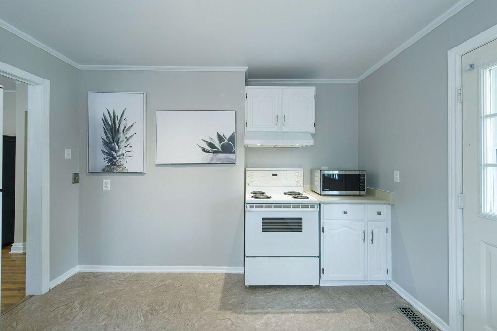 024-Kitchen2_m.jpg