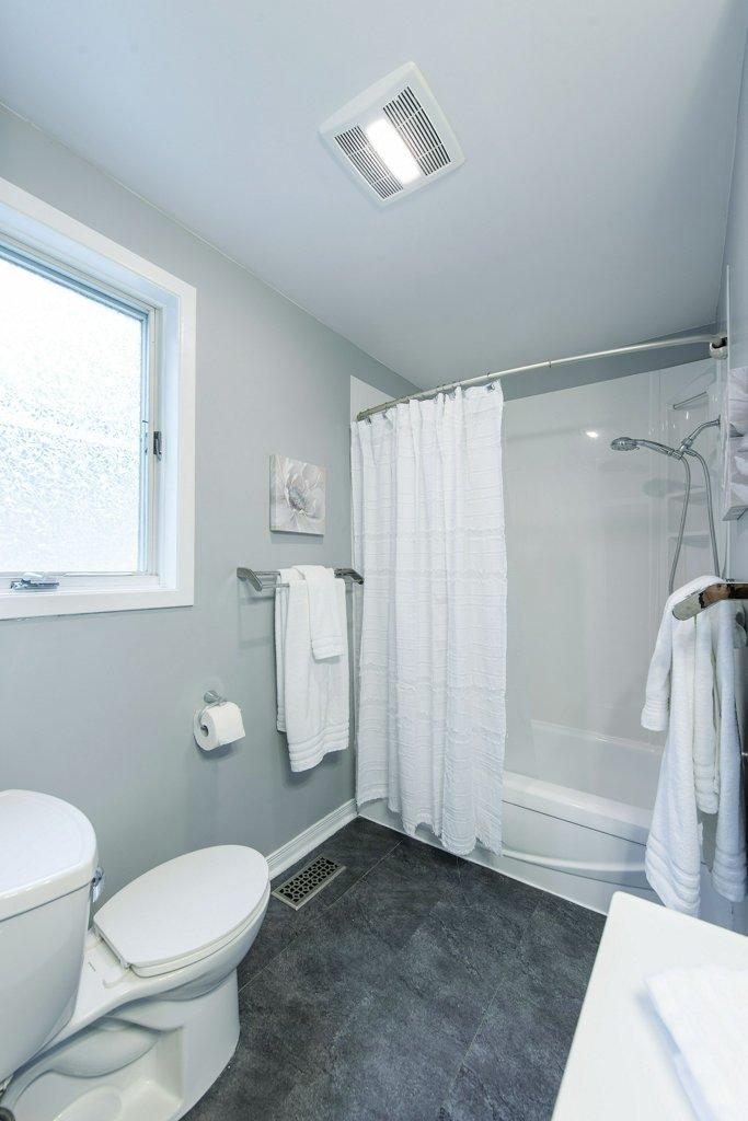 032-shower view_m.jpg