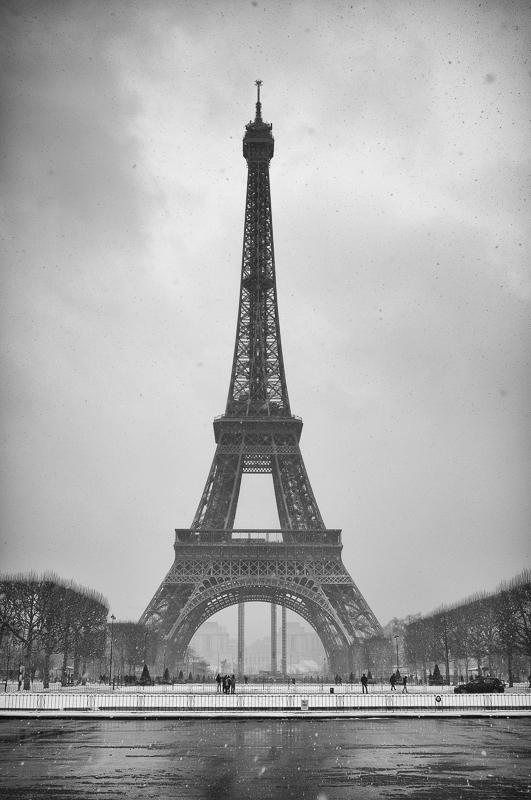 Paris_Eiffel_Snow1_wide