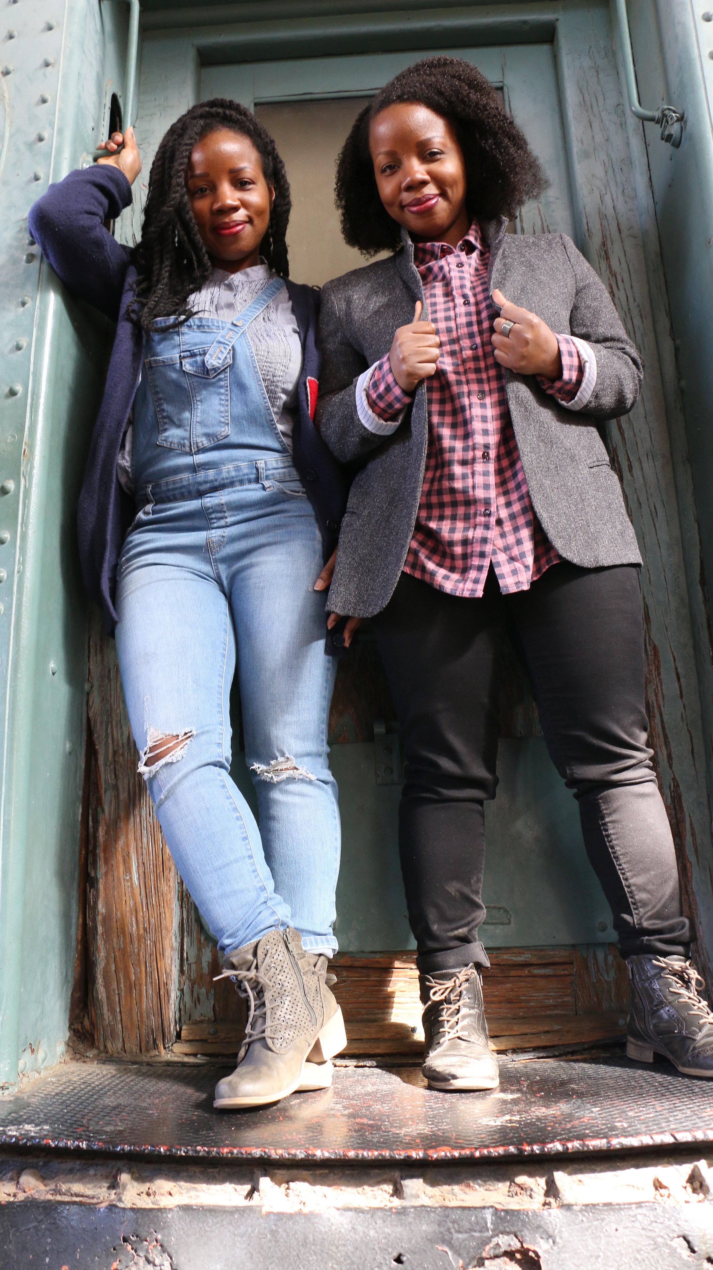 19-Gibbs-Sisters-Shawnee_Shawnelle-6.JPG