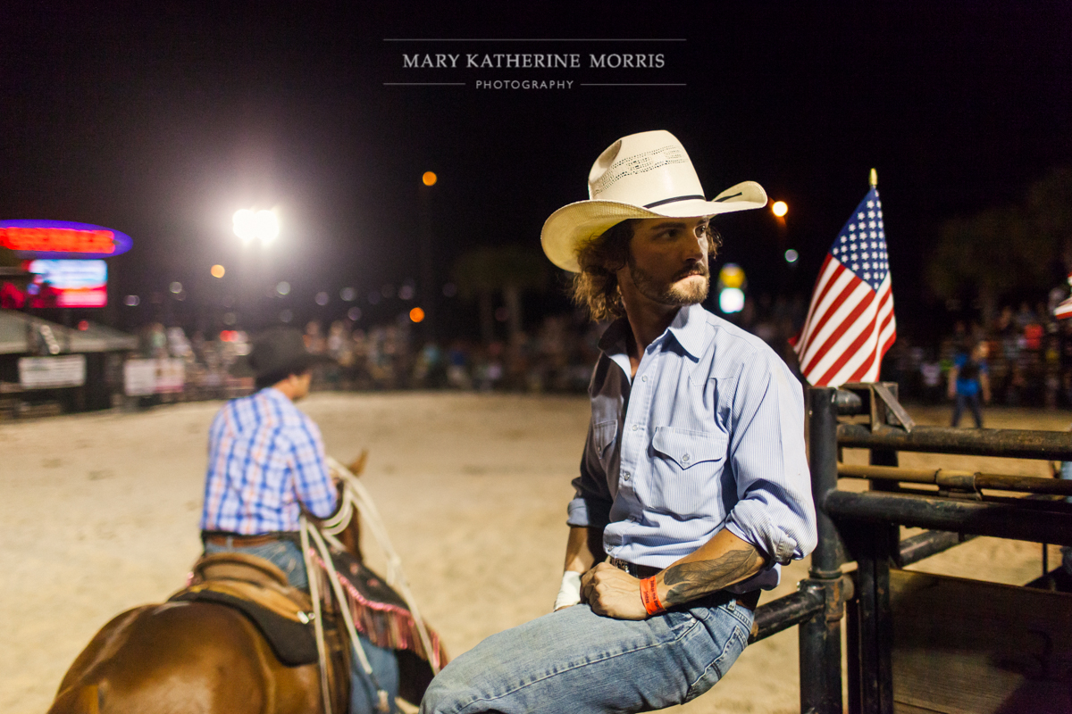 marykatherinemorris_bullsonthebeach_calebkelly
