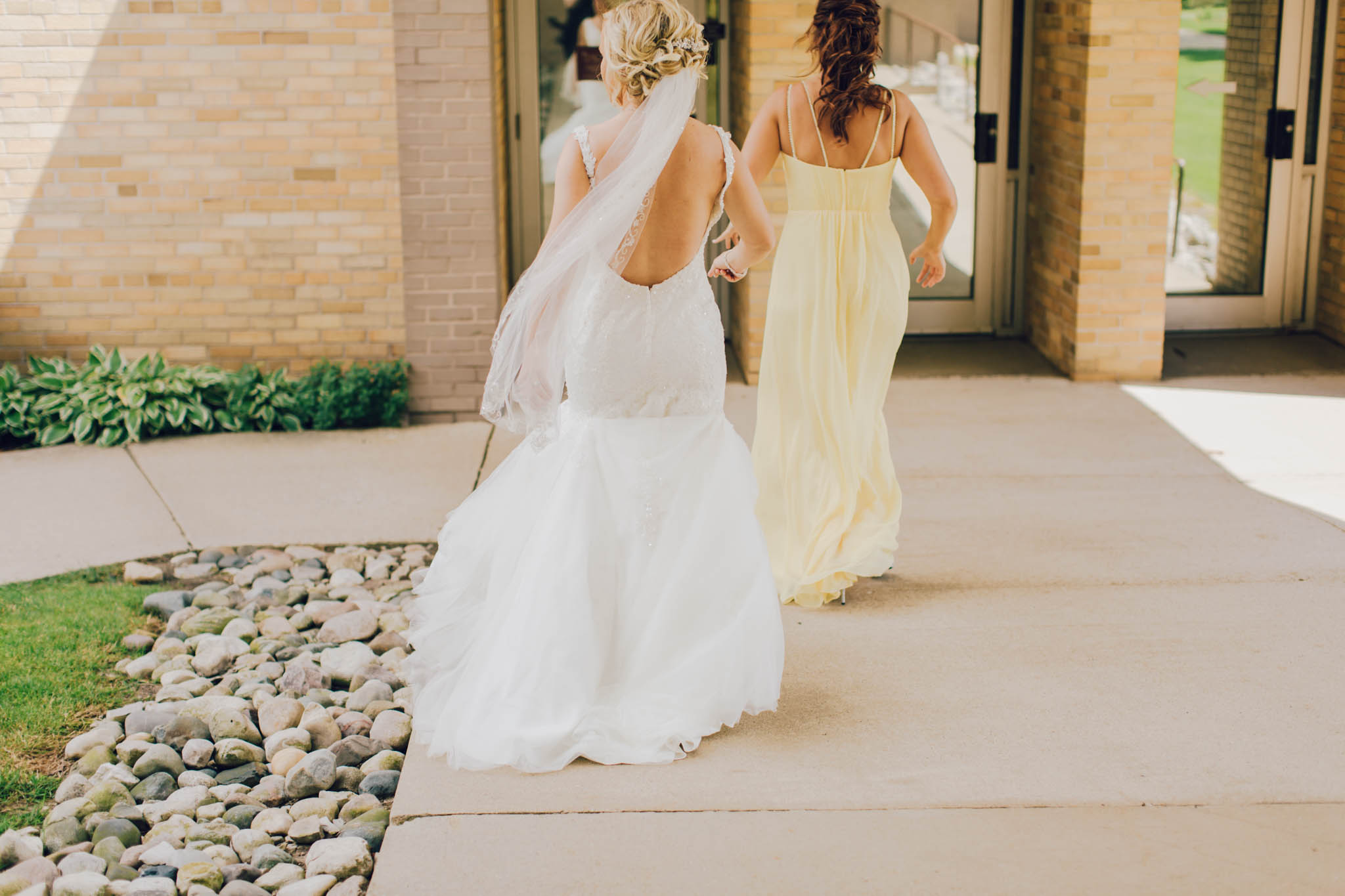 Jillian VanZytveld Photography - Grand Rapids Lifestyle Wedding Photography - 041.jpg