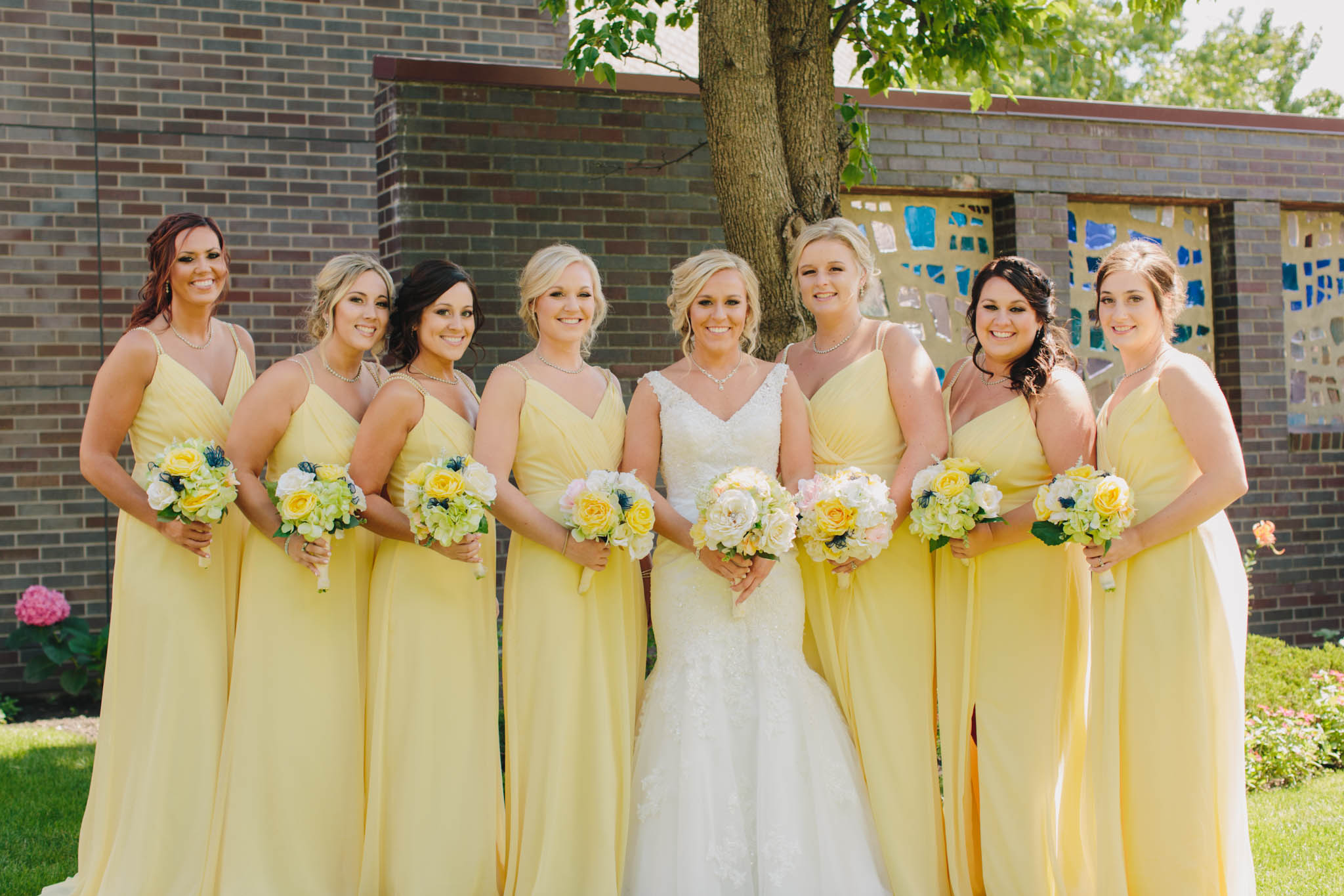 Jillian VanZytveld Photography - Grand Rapids Lifestyle Wedding Photography - 045.jpg