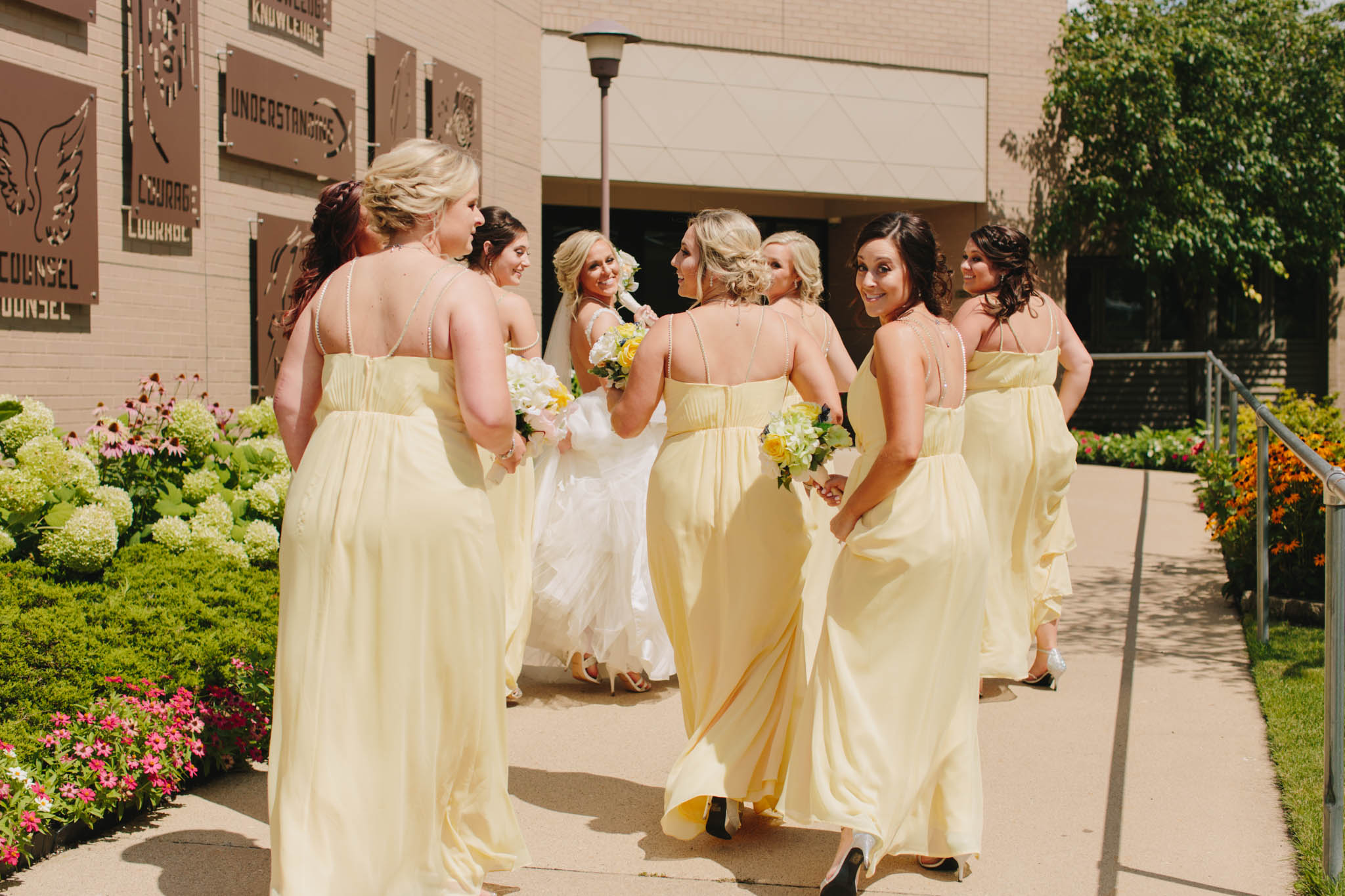 Jillian VanZytveld Photography - Grand Rapids Lifestyle Wedding Photography - 048.jpg