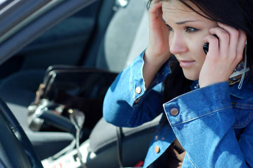 Legislature passes bill banning teen drivers from talking on cell phones