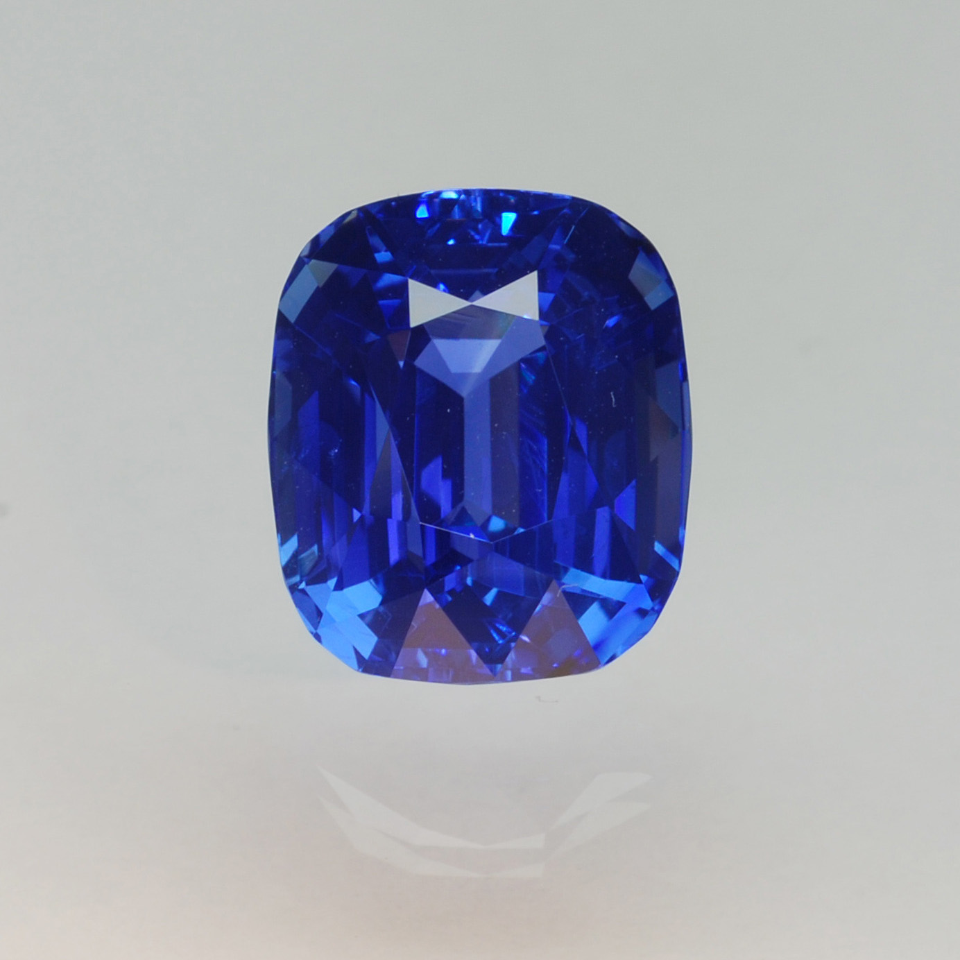 2nd Place 2008 Cutting Edge Award, Classic Gemstone Division  12ct Unheated Sapphire