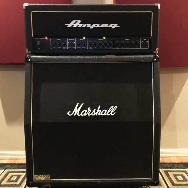 New amp day! An Ampeg VH-140c has joined the Homewrecker arsenal. These amps have an insane amount of gain on tap and saw a lot of action in various death metal and hardcore bands in the 90's and early 2000's. Been enjoying the @snkpedals VHD take on it so much I wanted to get the real thing. Thanks to @johnplaythefightriff for the hookup!  #ampeg #ampegvh140c #vh140c #nad #newampday