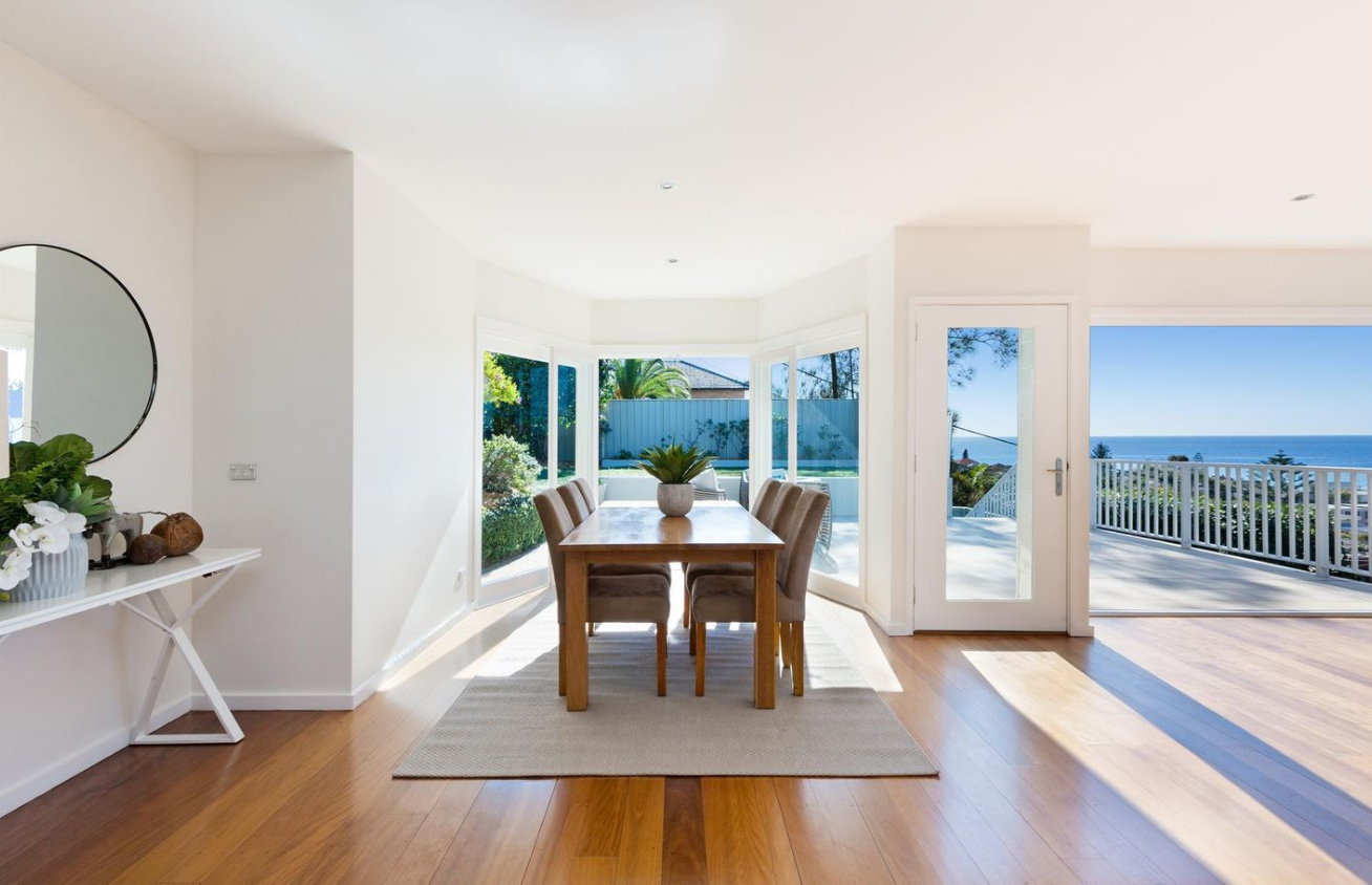 ramsay_st_collaroy_dining_with_a_view_ocean_realestate.PNG