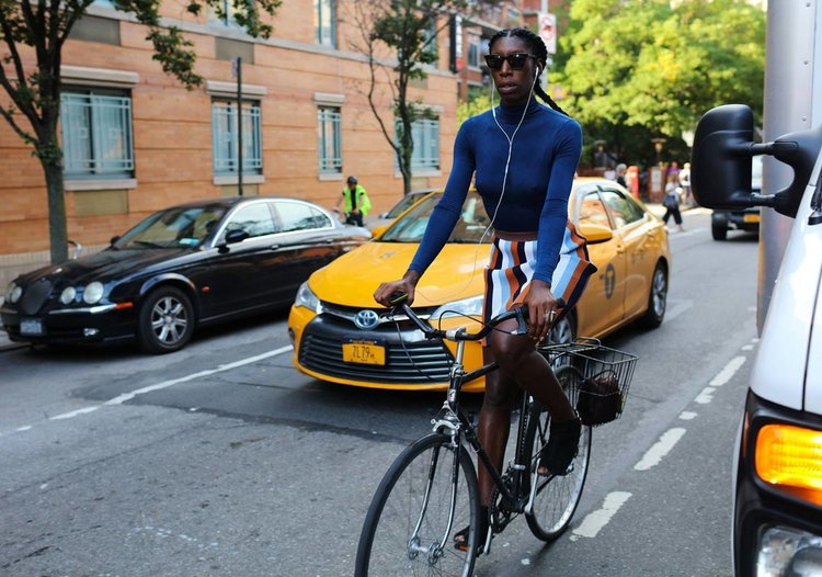 NY Fashion Week SS17 Street Style by bike, photo by Phil Oh for Vogue