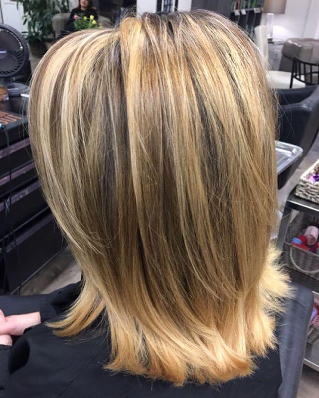 Thank you Angela 😀#marchtanaz  #wellalife #kolestonperfect #tanaz_hair  #salonetoiles  #blondehair  #wella  #highlights  #bleach  #colortouch  #renefurterer  #renefurtererusa