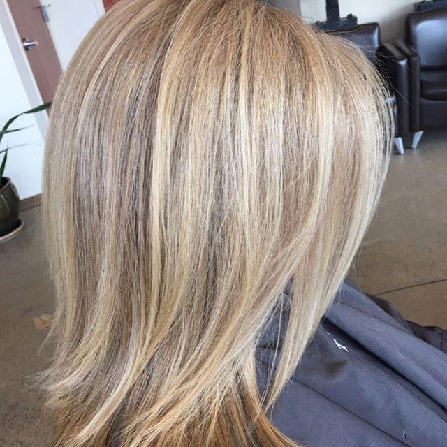 #marchtanaz  #renefurterer  #kolestonperfect  #blondor  #hilite  #certifiedhaircolorists  #salonetoiles  #tanaz_hair  #haircut  #midlenghthair  #renefurtererusa