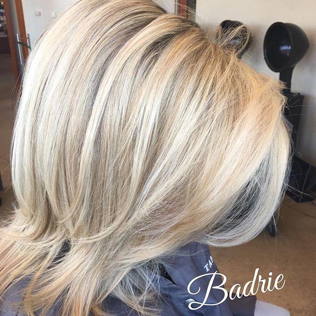 Thank you  Becky!😀 #blondehair  #highlights  #hilite  #salonetoiles  #marchtanaz  #tanaz_hair  #wella  #wellalife  #wellaeducation  #certifiedhaircolorists  #renefurterer  #renefurtererusa  #olaplex