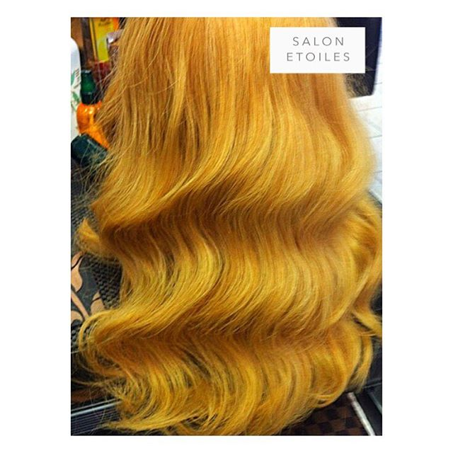 #VeronicaLake inspired hair. Hair by @badrieusa • •  #veronicalakehair #hair #wavyhair #fingerwave #eveninglook #eveninghair #classichair #weddinghair #weddinghairstyle #salonetoiles #virginiahairsalon #virginiahairstylist #hairstyles #hairs #marylandhairstylist #maryland #washingtondc #btc #beauty #coiffure #glamlook #hairgoals #hairstyles #instahair #longhair #blonde #blondehair #haircolor #hairoftheday #hairofinstagram