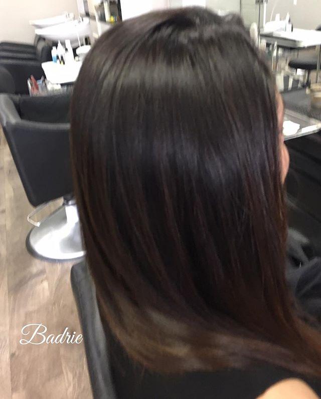 Thank you Paniz for trusting me💋 #brizillianblowout #apriltanaz  #haircut  #brownhair  #cascadestylist  #grandrapidsstylist  #straighthair  #modernsalon  #certifiedhaircolorists  #americansalon  #behindthechair  #apriltanaz  #salonetoiles