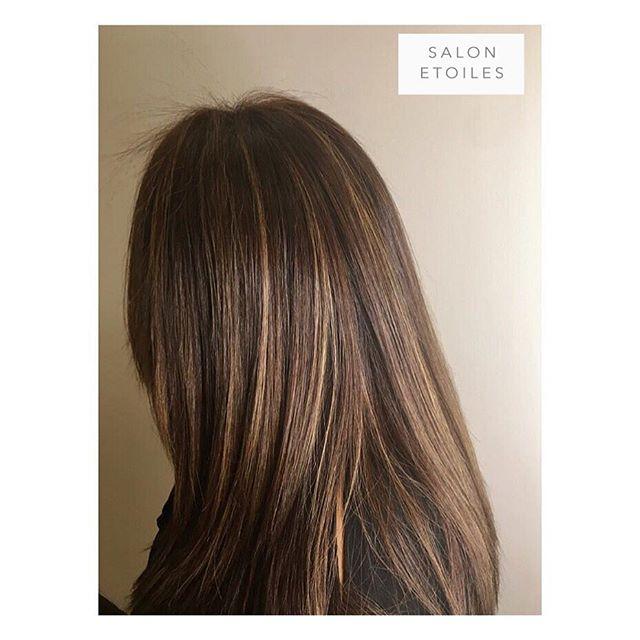 Subtle #highlights and #blowdry done on this trendy client. Hair by @nasim.etoiel. . . .  #salonetoiles #virginiahairsalon #virginiahairsalon  #behindthechair #modernsalon #americansalon  #brownhair #brunette #staighthair #haircut  #brunettehair #hair #celebrityhairstylist #washingtondc #hairstyles #hairstylist #instahair #hairgoals #healthyhair #shinnyhair #longhair