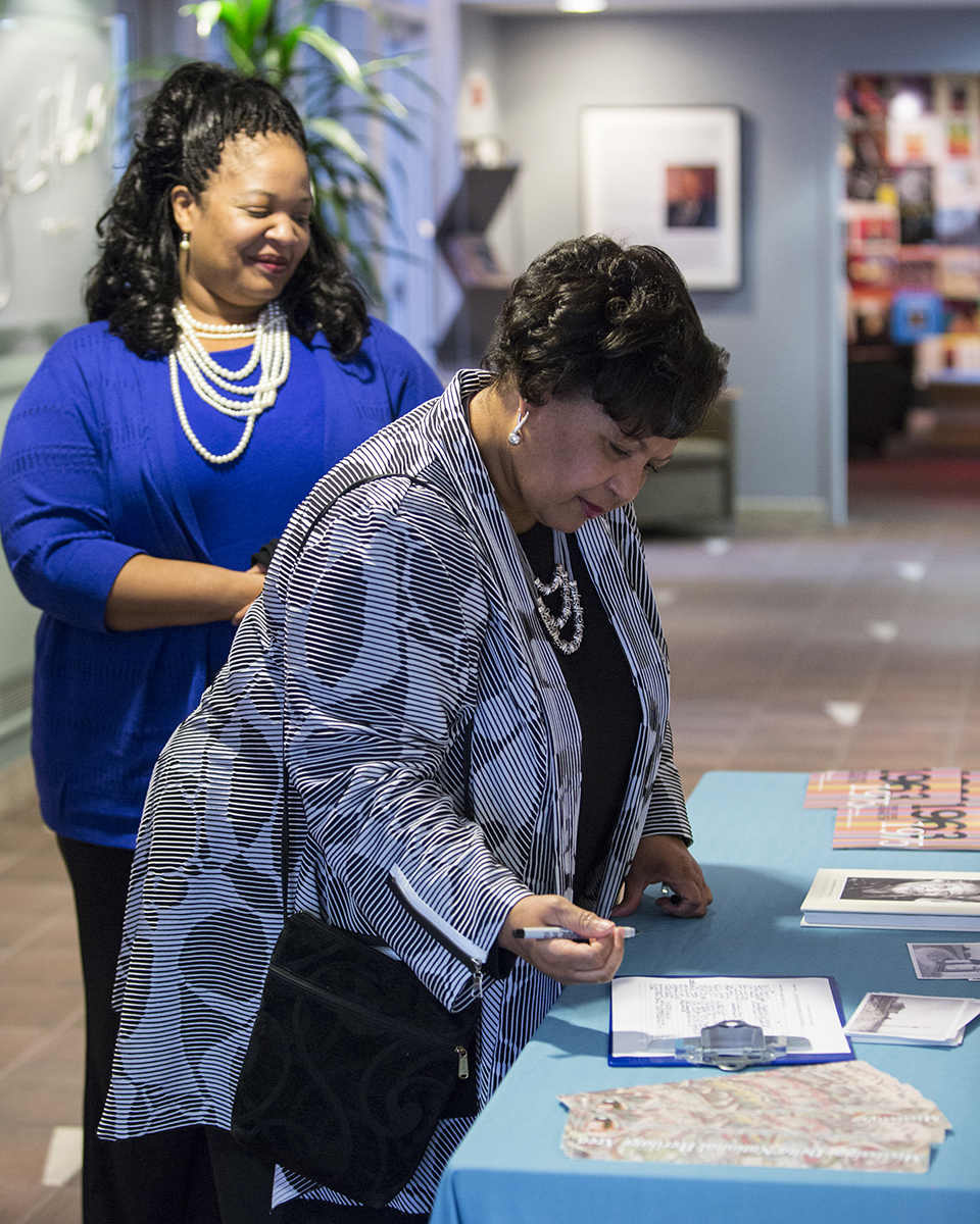 Reena Evers, daughter of civil rights icons Mrs. Myrlie Evers-Williams and Medgar Evers, arrives at Smithsonian Anacostia Community Museum. Mrs. Myrlie Evers-Williams is a Delta Jewel. (Photo courtesy of Smithsonian Institution)