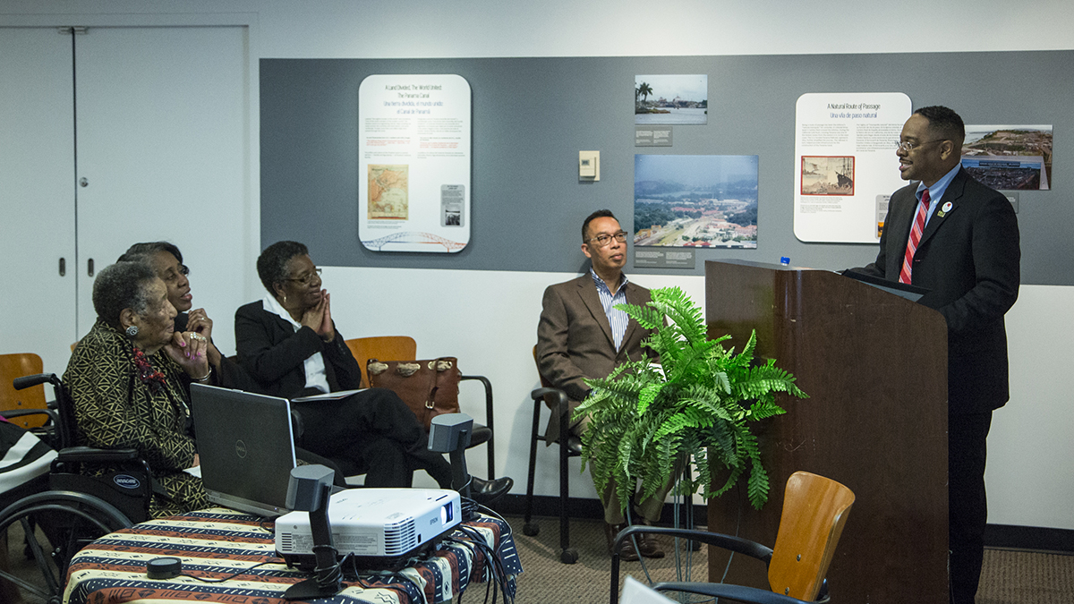 Dr. Rolando Herts provides an overview of the Mississippi Delta National Heritage Area and the Delta Jewels Oral History Partnership before introducing Alysia Burton Steele. Delta Jewels embodies several of the Mississippi Delta National Heritage Area's cultural heritage themes including religion, literature, civil rights, race relations, and folkways.  (Photo courtesy of Smithsonian Institution)