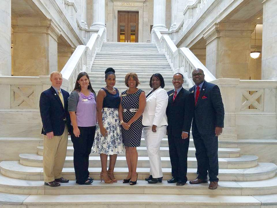 Members of the 2016 Mississippi Delegation at the Arkansas State Capitol.